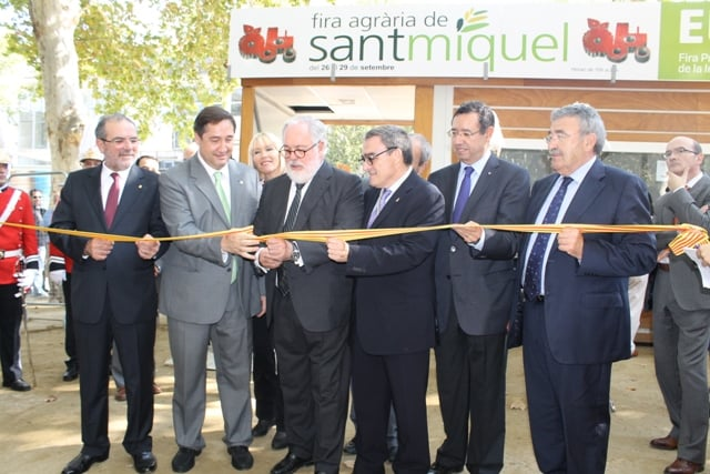 13.09.26 Arias Cañete inaugura la Feria de San Miguel 1_tcm7-298522