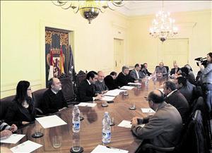 José Valín mantuvo ayer, en Subdelegación de León, un encuentro con 14 alcaldes del Alto Órbigo