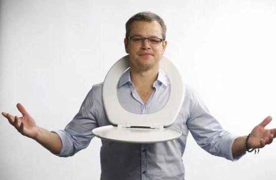 Matt Damon, en una de las imágenes de la campaña de su fundación. / water.org