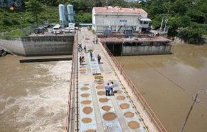 La mitad del Área Metropolitana de San Salvador recibe agua potable de la planta Las Pavas, en San Pablo Tacachico.