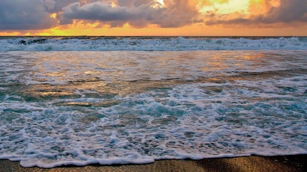 Paisaje-exotico-olas-playa-fondos-de-pantalla