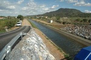 Canal de Lobón, que riega unas 17.000 hectáreas en su zona de influencia.