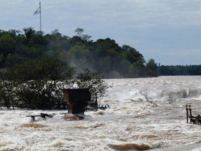 th_73d9f63cbf68d5d7391d41bb4dcbecbf_Argentina-inundaciones
