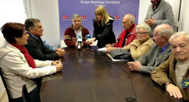 Representantes-Consejo-Mayor-federaciones-vecinos-Solidaridad-Unidad-Civilis-asociacion-vecinal-barriada-Luz-muestran-rechazo-efectos-nueva-tasa-agua