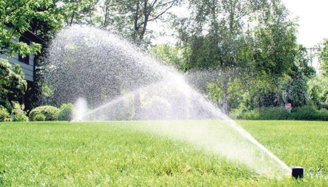 El agua justa for Aspersores de riego para jardin