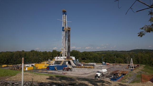 fracking-canete-consejo-ministros-hidraulica-ecologistas-fractura_EDIIMA20130419_0501_4