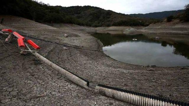 depositos-niveles-poniendo-peligro-agricultura_TINIMA20140129_0415_5