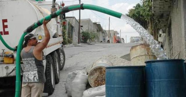Alistan-pipas-con-agua-para-abastecer-1469817