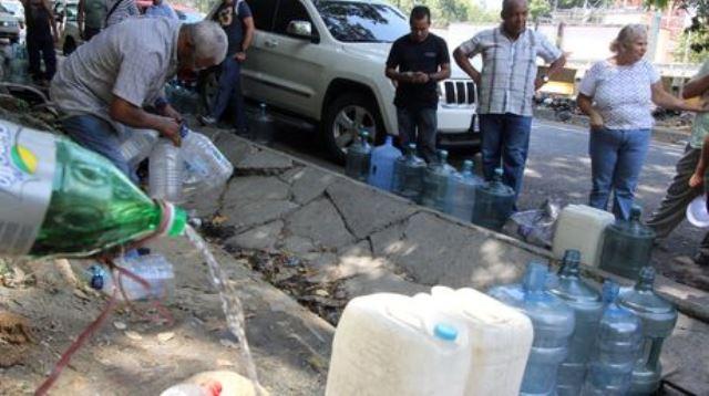agua-zonas-Caracas-Omar-Veliz_NACIMA20140506_0179_6