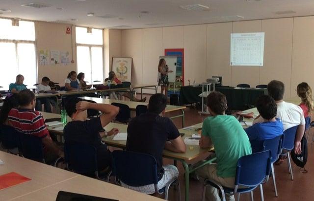 Profesora Dña. María Fernández-Polanco durante una de las clases del Master.