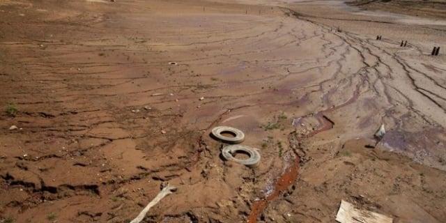 Brasil-sequía-represa-efeverde-Sebastiao-Moreira_th_86d085836c8204a4ef07c18efaea8ae1