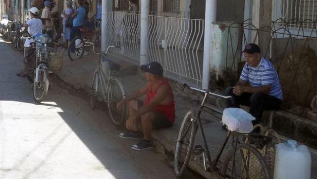 esperan-golpea-ocupan-portales-alrededores_CYMIMA20140926_0002_13