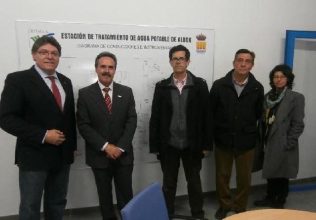 114783_76590_El-alcalde-de-Albox-(primero-por-la-izquierda)-junto-al-delegado-de-Salud-tecnicos-de-Gestagua-y-ediles-del-Ayuntamiento_G