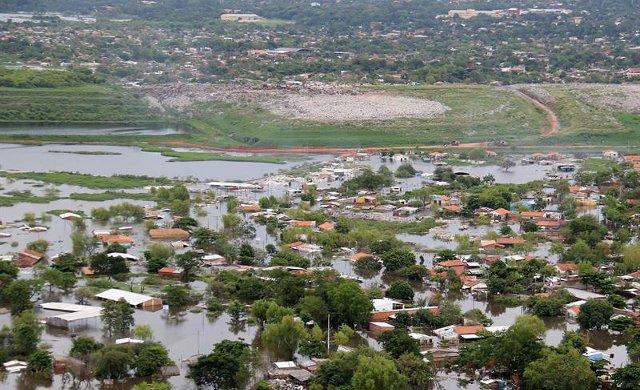 Drama de las evacuadas en Paraguay