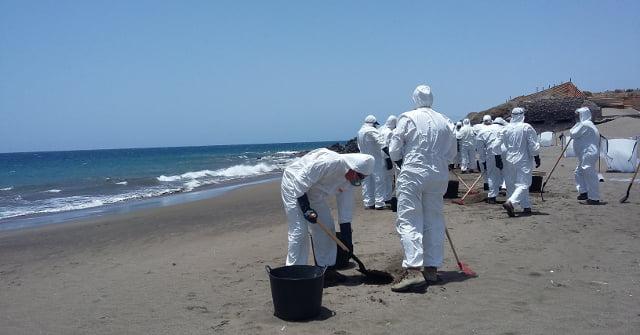 Política Territorial dirige un simulacro de lucha contra la contaminación marina en la costa y aguas