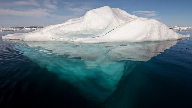 Iceberg-in-the-Arctic